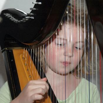 girl n harp