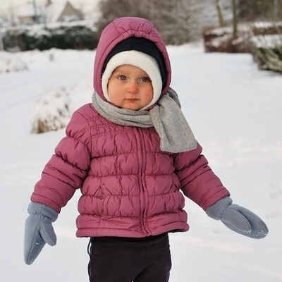 child in snow (400x400)