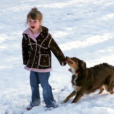 child playing in snow (400x400)