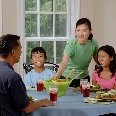 family dinner (400x400)