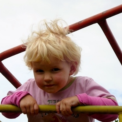 girl playground (400x400)
