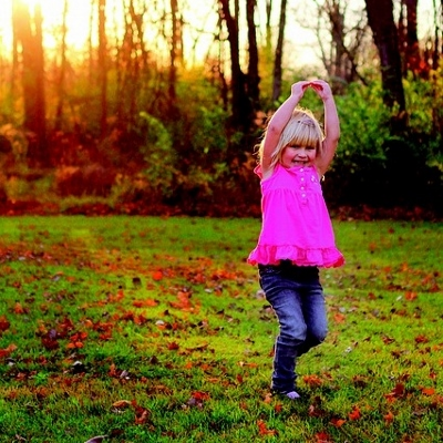 child dancing (400x400)