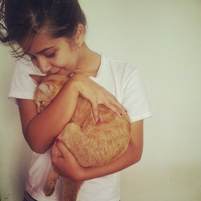 tween with cat (400x400)