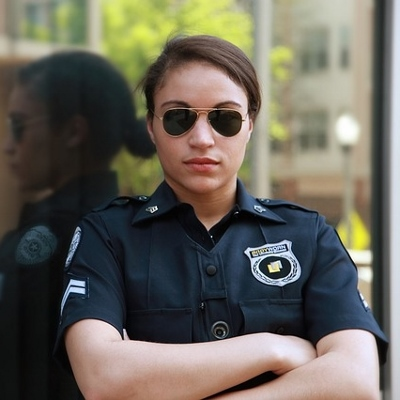 police officer (400x400)
