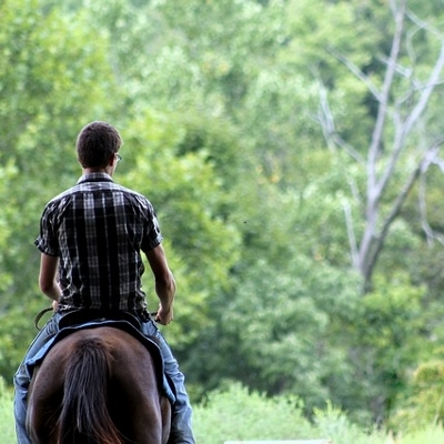 teen horseback riding (400x400)