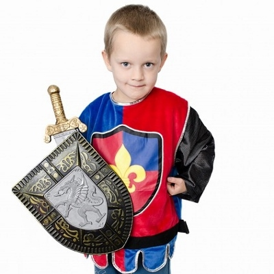 child in costume (400x400)
