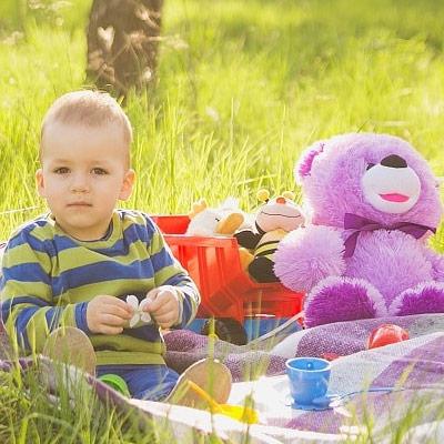 Baby-at-a-picnic